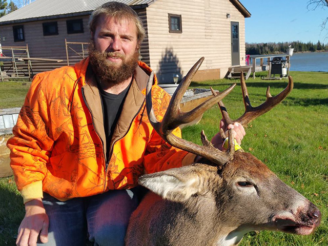Ontario Whitetail Deer Hunting Guide | Dryden | Indian Point